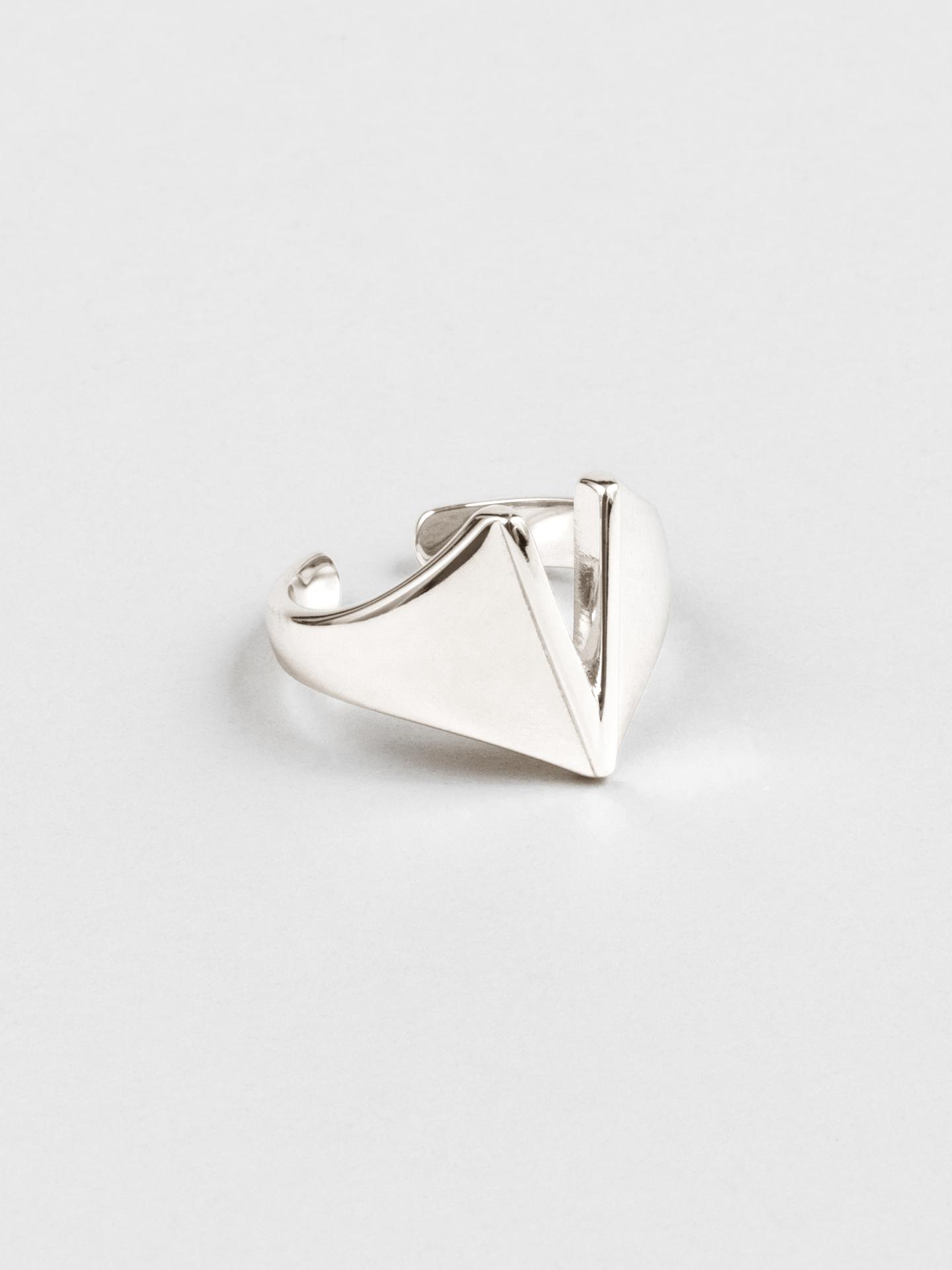 Letter V Ring