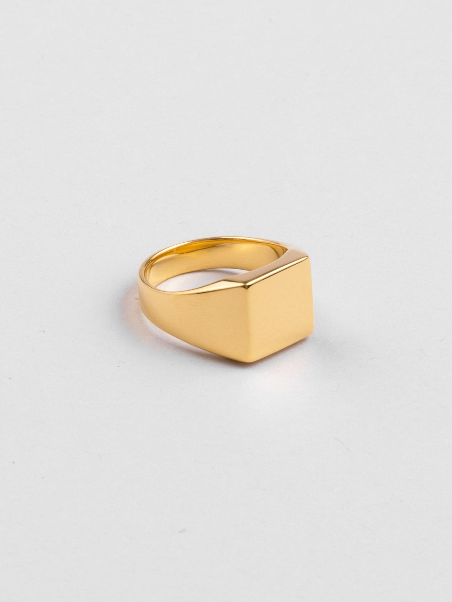 Signet Engraving Ring