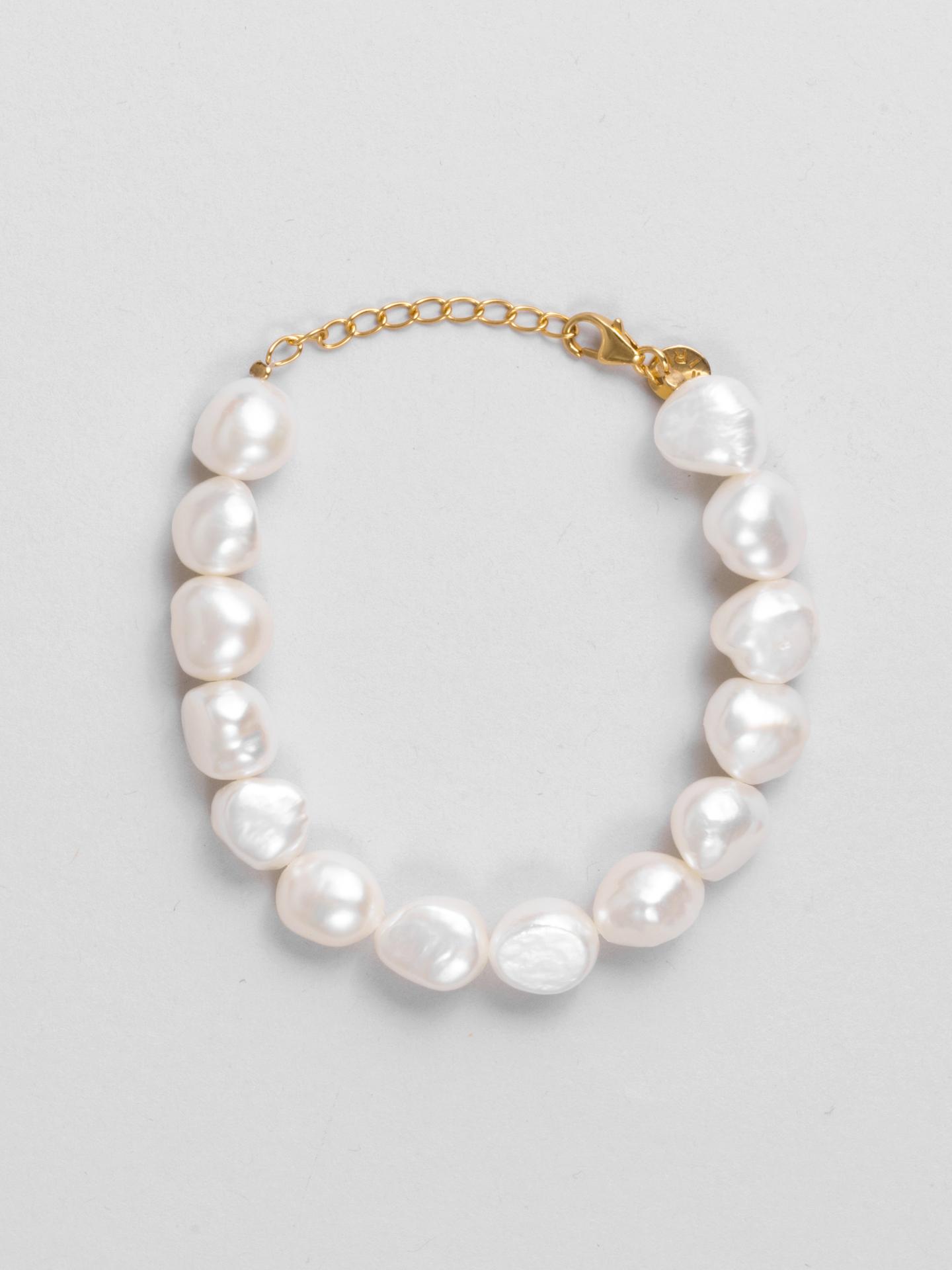 Mega Pearl Bracelet