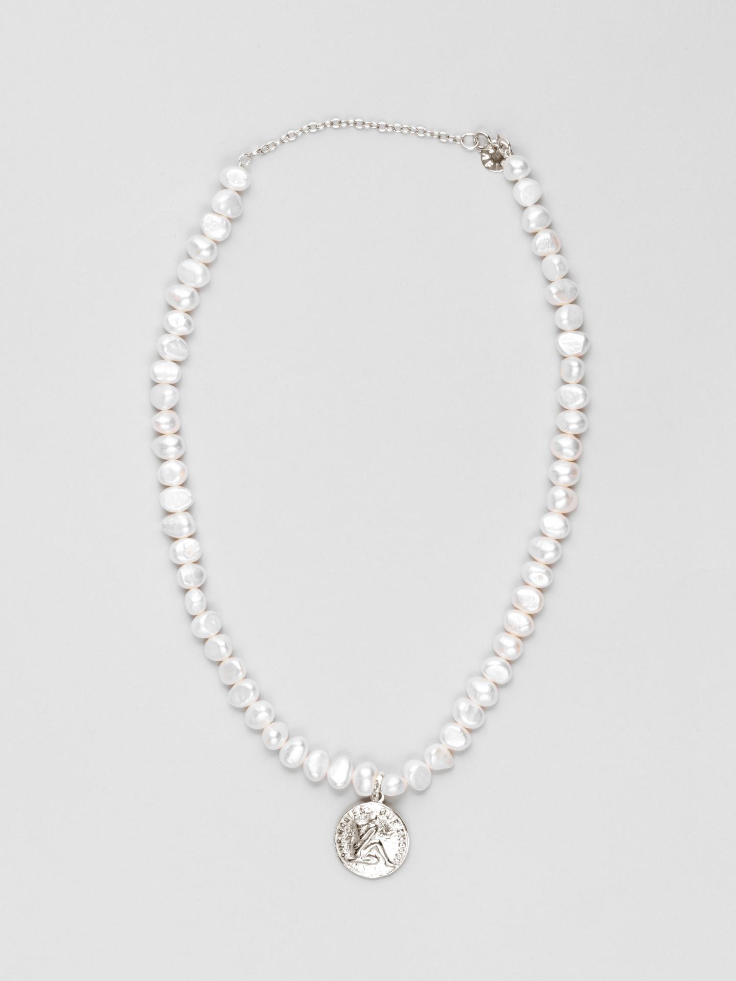 Womanhood Pearl Halskette