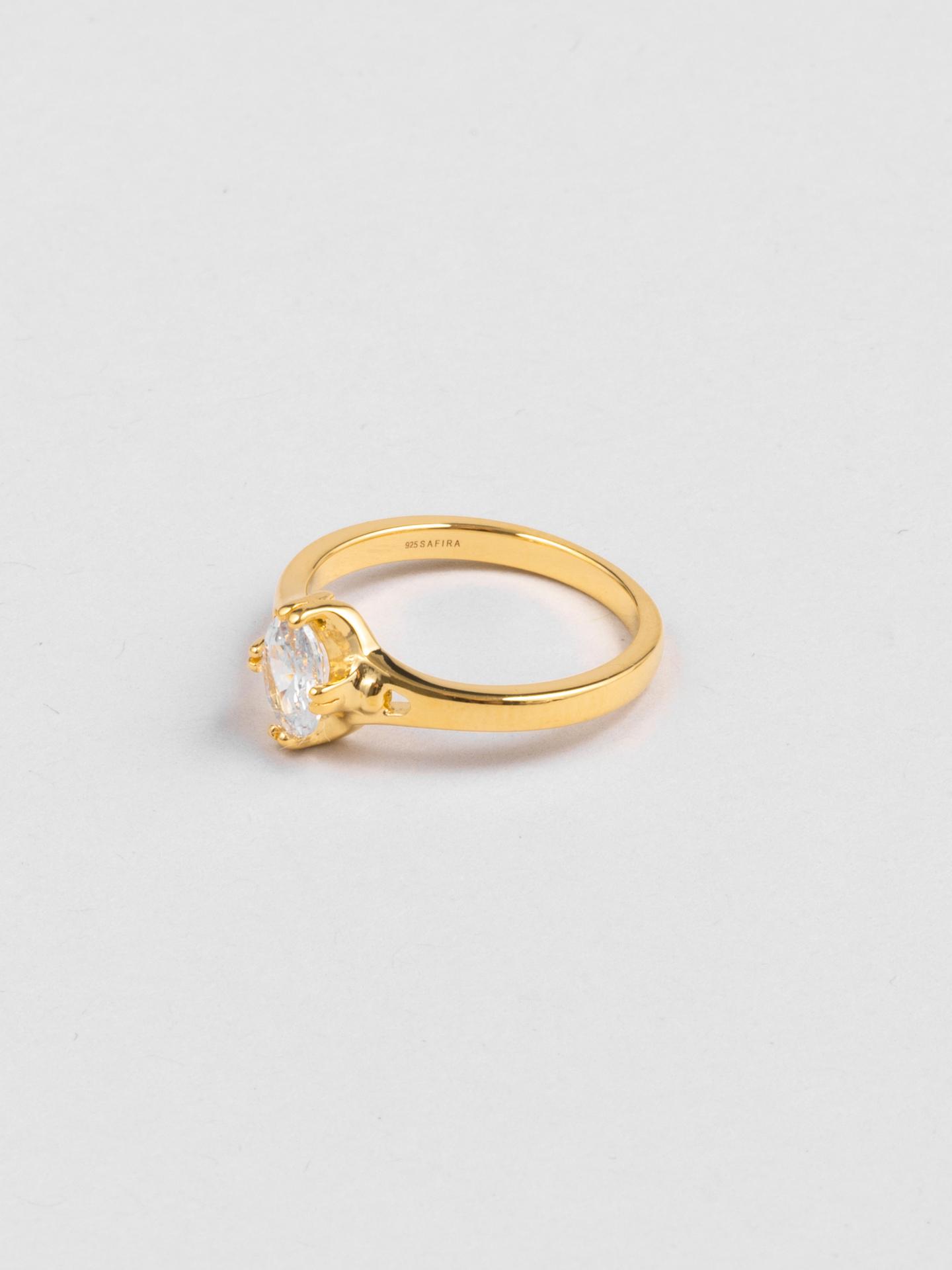 Pretty Diamond Ring